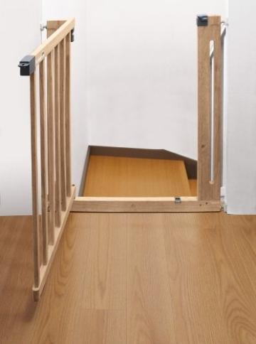 safety 1st easy close wood treppenschutzgitter info. Black Bedroom Furniture Sets. Home Design Ideas